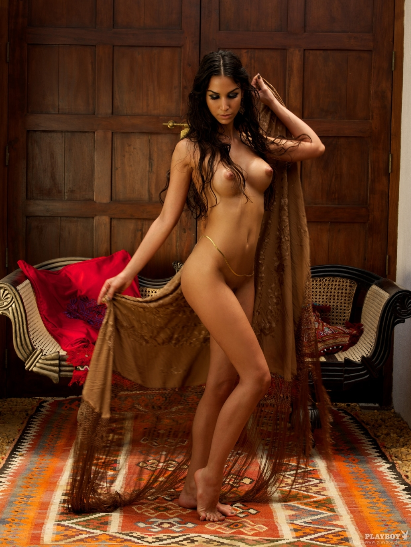 kartinki-golih-arabskih-devushek